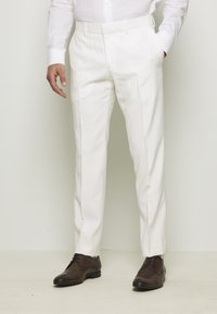 Isaac Dewhirst - WHITE WEDDING SLIM FIT SUIT - Completo - white - 4