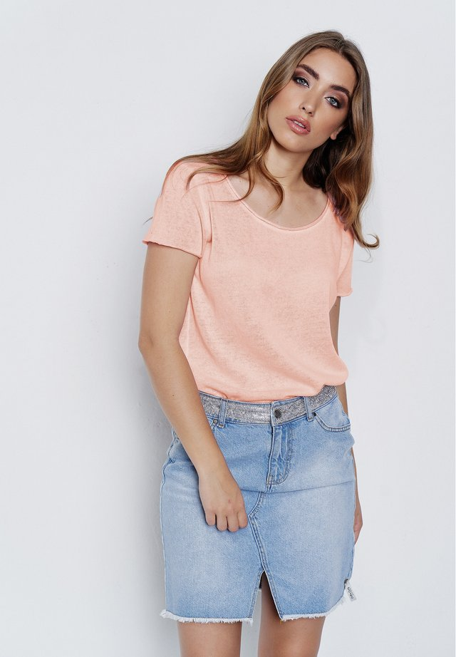 ARABELLA - Basic T-shirt - bright peach