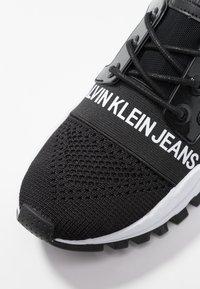 Calvin Klein Jeans - TALULA - Matalavartiset tennarit - black - 2