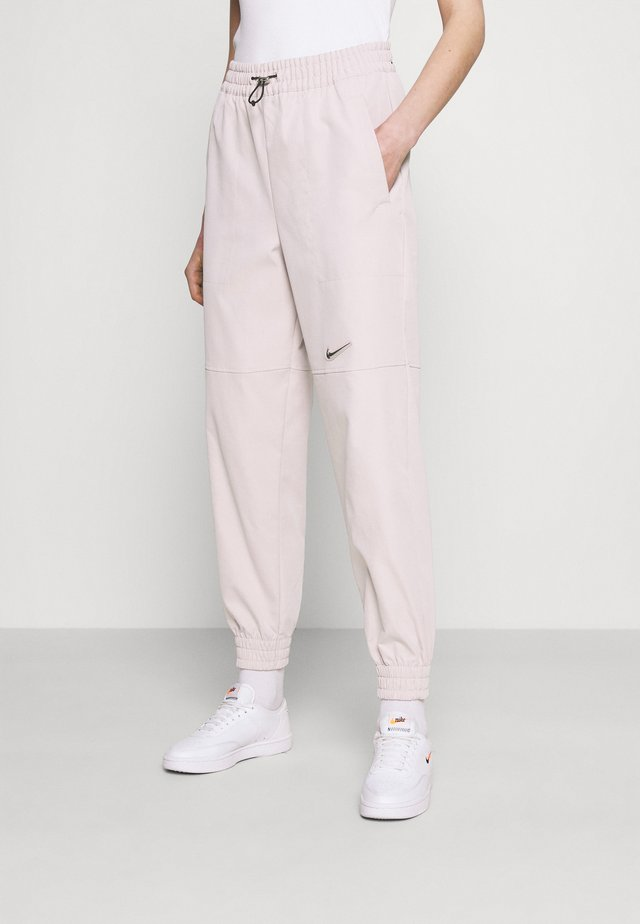 PANT - Tracksuit bottoms - champagne