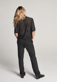 Zoe Karssen - T-shirt con stampa - black - 2