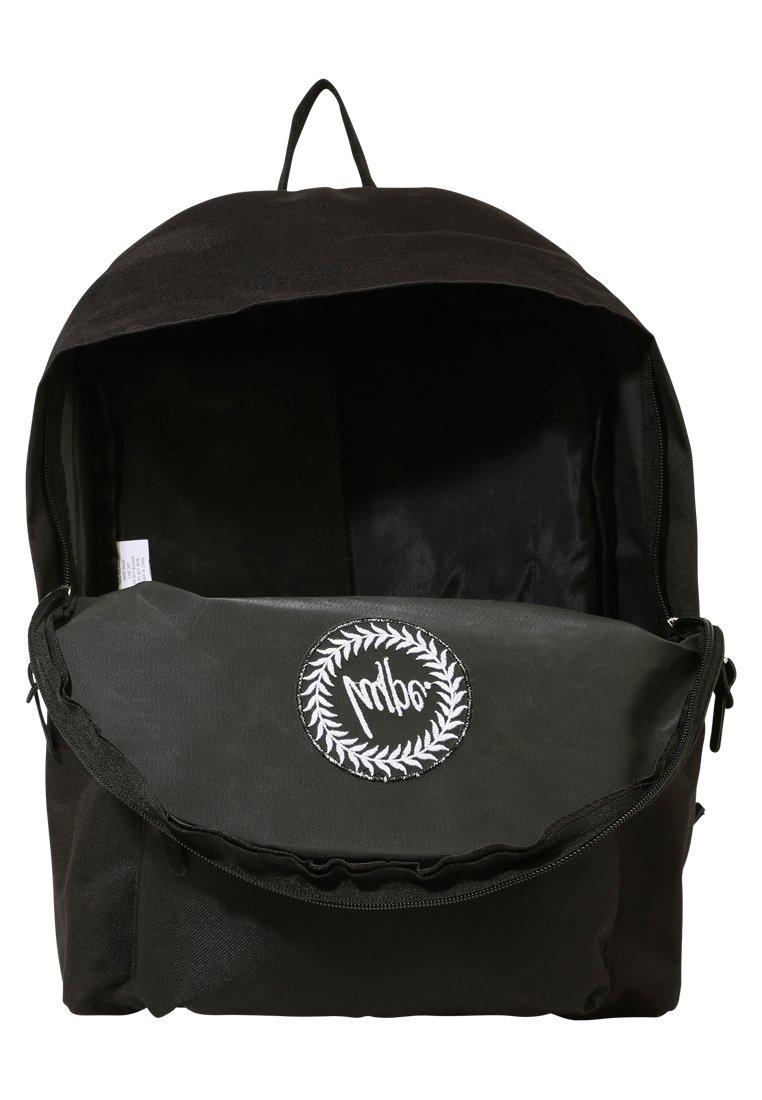 Hype BADGE BACKPACK - Ryggsekk - black/svart hRJomWDFao05d66