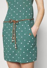 Ragwear - TAG DOTS - Etui-jurk - dark green - 4
