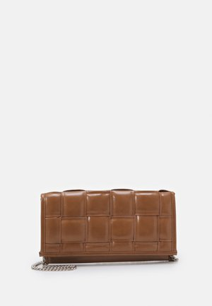 BTANGLED  - Clutches - tan
