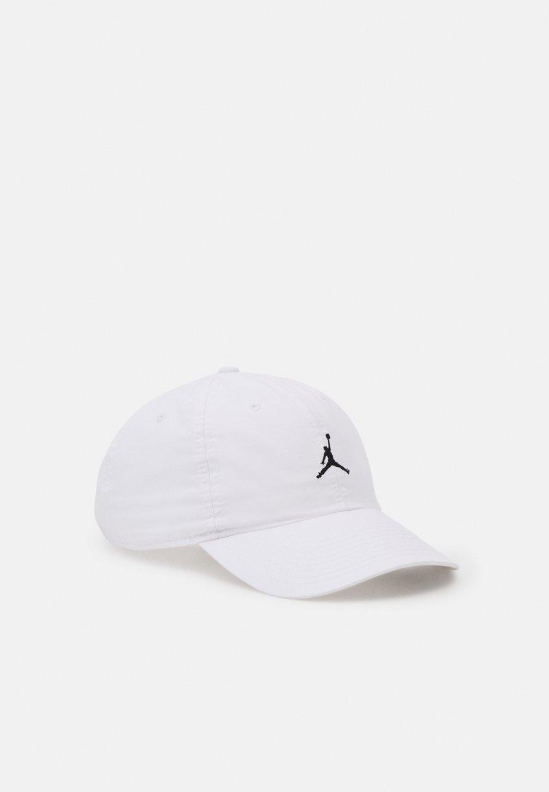 Jordan - WASHED - Kšiltovka - white/black