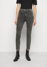 J Brand - ALANA HIGH RISE CROP SKINNY - Skinny džíny - radical - 0