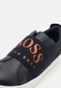 BOSS Kidswear - TRAINERS - Trainers - navy - 5
