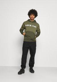 Nike Sportswear - AIR HOODIE - Sweat à capuche - medium olive/cargo khaki/white - 1