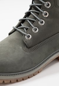Timberland - 6 IN PREMIUM WP BOOT - Schnürstiefelette - dark grey