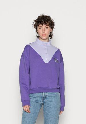 CRUSH TURTLENECK - Mikina - lavender/purple
