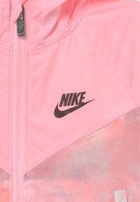 Nike Sportswear - WINDRUNNER - Sportovní bunda - arctic punch - 2
