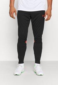 Nike Performance - ACADEMY PANT - Træningsbukser - black/bright crimson - 0