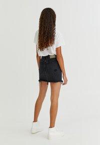 PULL&BEAR - Áčková sukně - black - 3