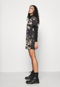 adidas Originals - DRESS - Žerzejové šaty - multicolor - 3