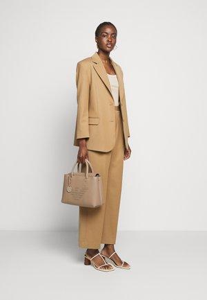 ROBERTATOTE BAG - Handbag - cammello camel
