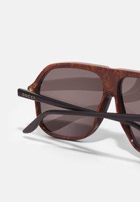Gucci - UNISEX - Okulary przeciwsłoneczne - black/grey - 4