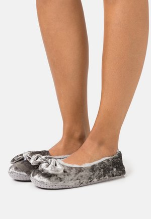 WIDE FIT AMAYA - Pantuflas - grey