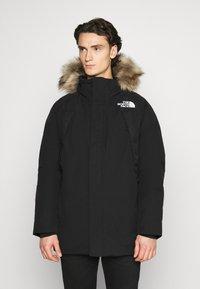 The North Face - NEW OUTERBOROUGHS JACKET - Kabát zprachového peří - black - 0