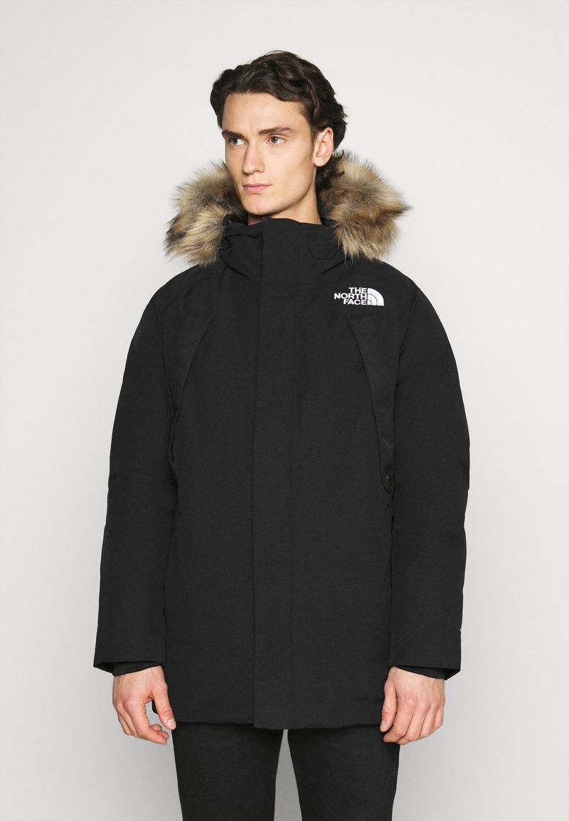 The North Face - NEW OUTERBOROUGHS JACKET - Kabát zprachového peří - black