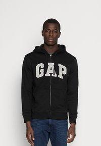 GAP - ARCH - Zip-up sweatshirt - true black - 0