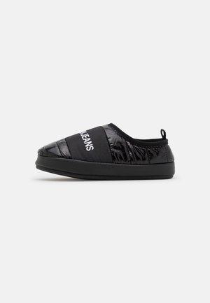 HOME SHOE SLIPPER - Slippers - black