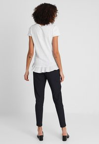 Rich & Royal - SLUB PEPLUM - T-shirts med print - white - 2