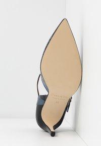 Paco Gil - MINA - Classic heels - bluette/nero - 6