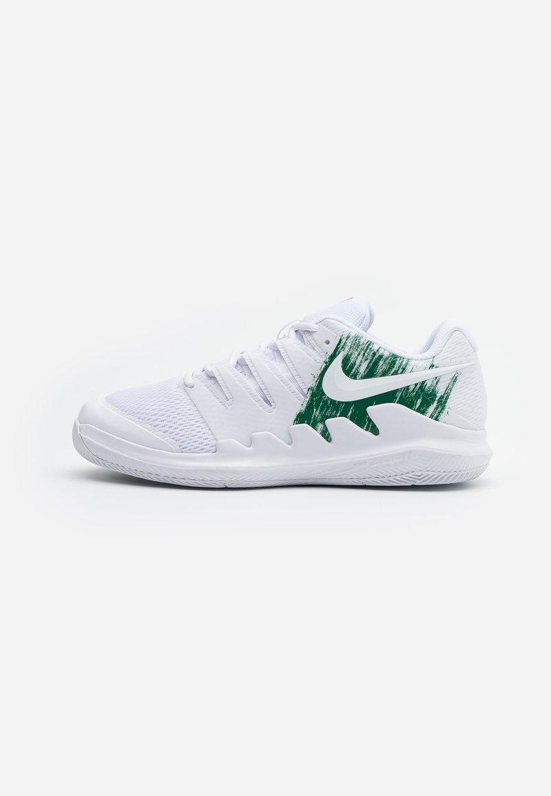 Nike Performance - JR VAPOR X UNISEX - Multicourt tennis shoes - white/clover