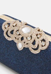 Forever New - MELISSA EMBELLISHED CLASP - Clutch - navy - 3