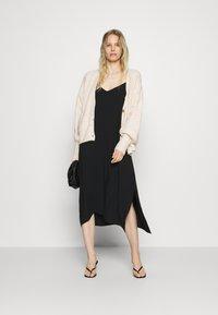 GAP - MIDI HANKY DRESS - Day dress - true black - 1