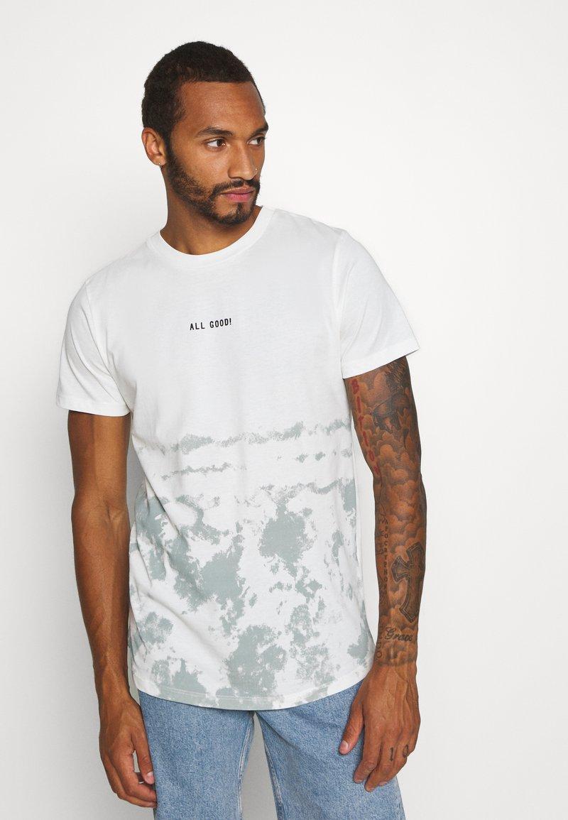 Jack & Jones - JORLOVAS - Print T-shirt - green milieu
