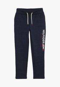 Tommy Hilfiger - FLAG INTERLOCK PANTS - Teplákové kalhoty - blue - 3