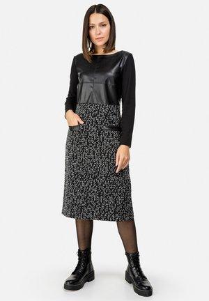 A-LINIEN - Day dress - schwarz