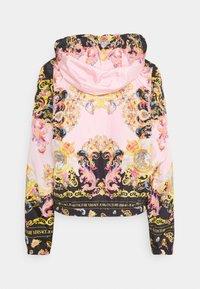 Versace Jeans Couture - LADY DUSTCOAT - Kurtka wiosenna - pink confetti/black - 1