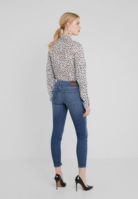 DRYKORN - NEED - Jeans Skinny Fit - mid blue wash - 2