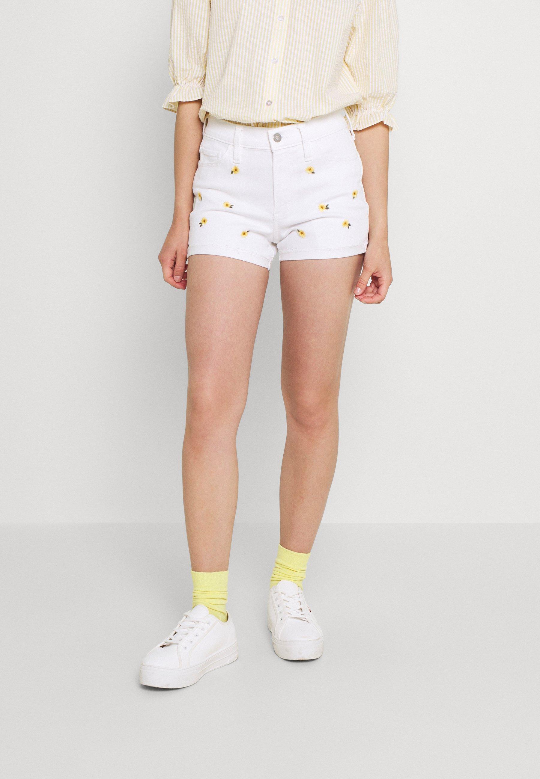 Damer CLEAN DAISY ROLL - Jeans Short / cowboy shorts - white
