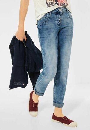 MIT TURN-UP - Slim fit jeans - blau