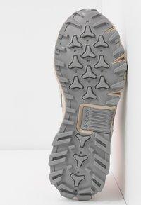 Reebok Classic - DMXPERT - Sneakersy niskie - trace grey/beige/solar orange - 6