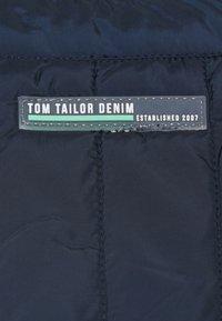 TOM TAILOR DENIM - PADDED V NECK VEST - Väst - sky captain blue - 5