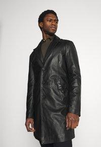 Goosecraft - KAI COAT - Krátký kabát - black - 1