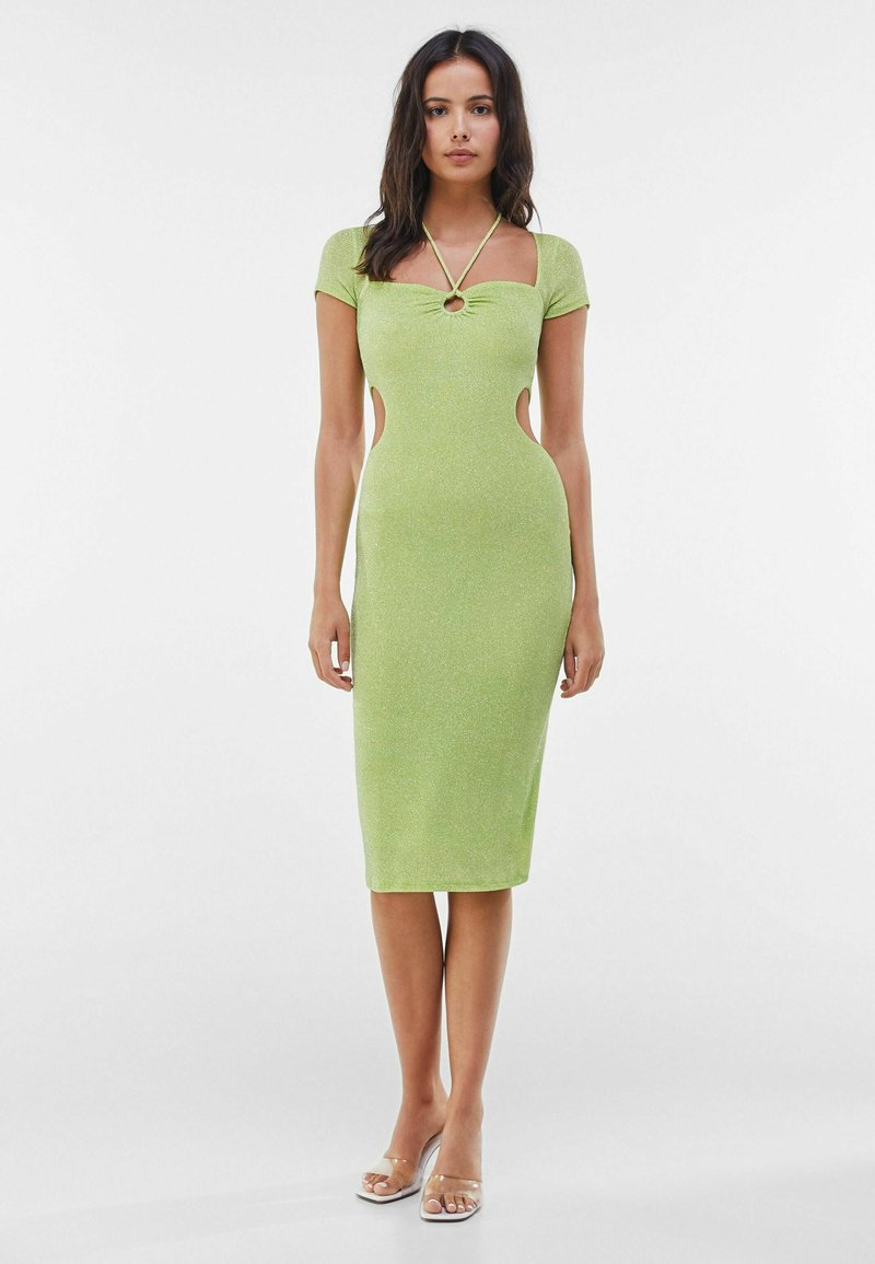 Bershka - MIT RING UND CUT-OUTS - Cocktail dress / Party dress - green