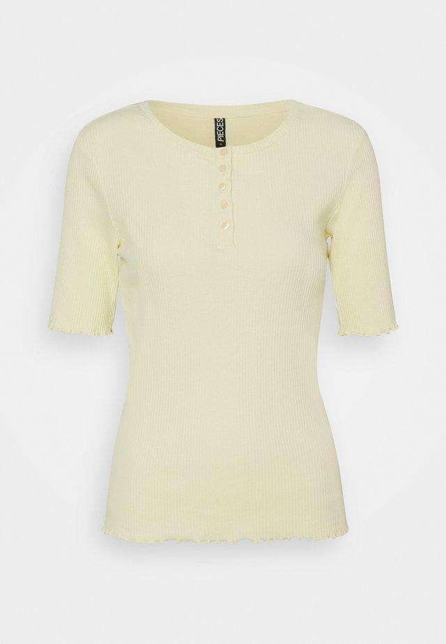 PCLUCA HALF PLACKET TEE - T-shirt basic - almond oil