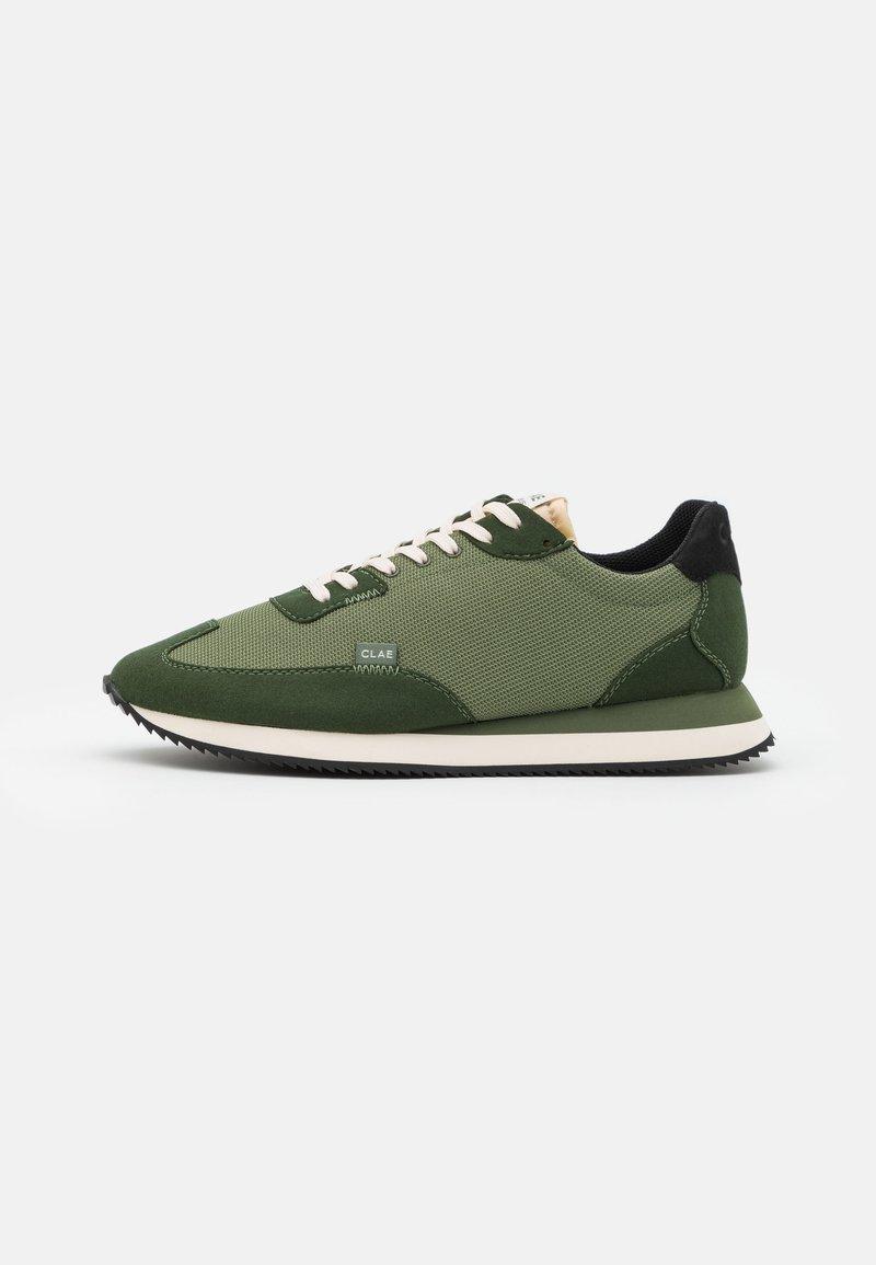 Clae - RUNYON - Sneakersy niskie - bronze green