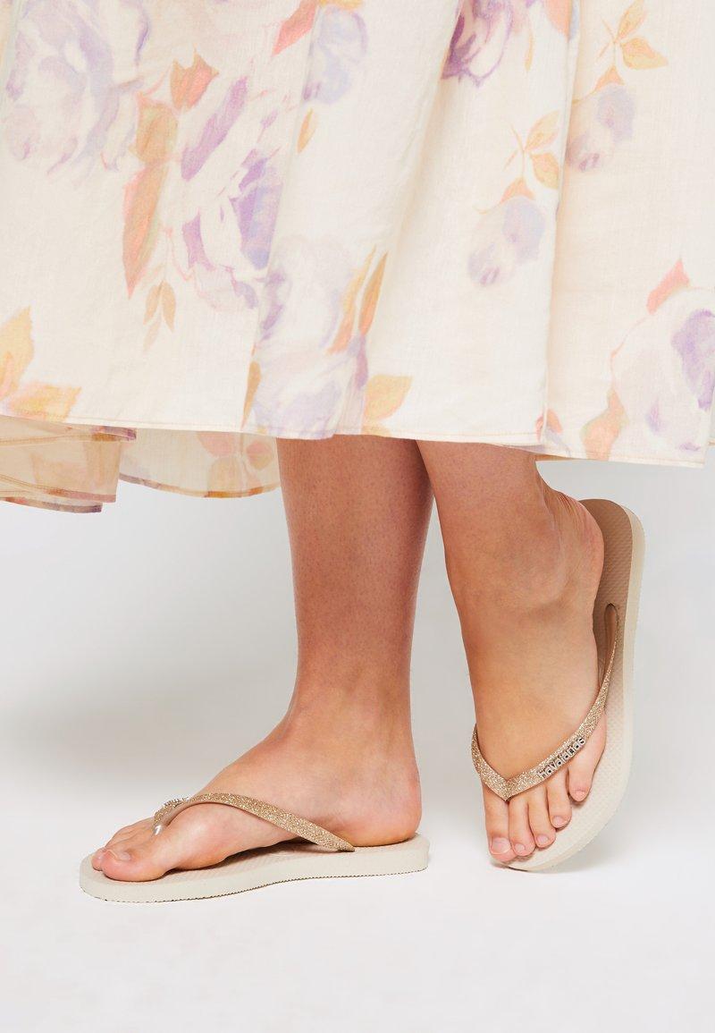 Havaianas - SLIM GLITTER - Tongs - beige