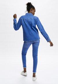 Denim Hunter - Button-down blouse - light blue/ blue wash - 2