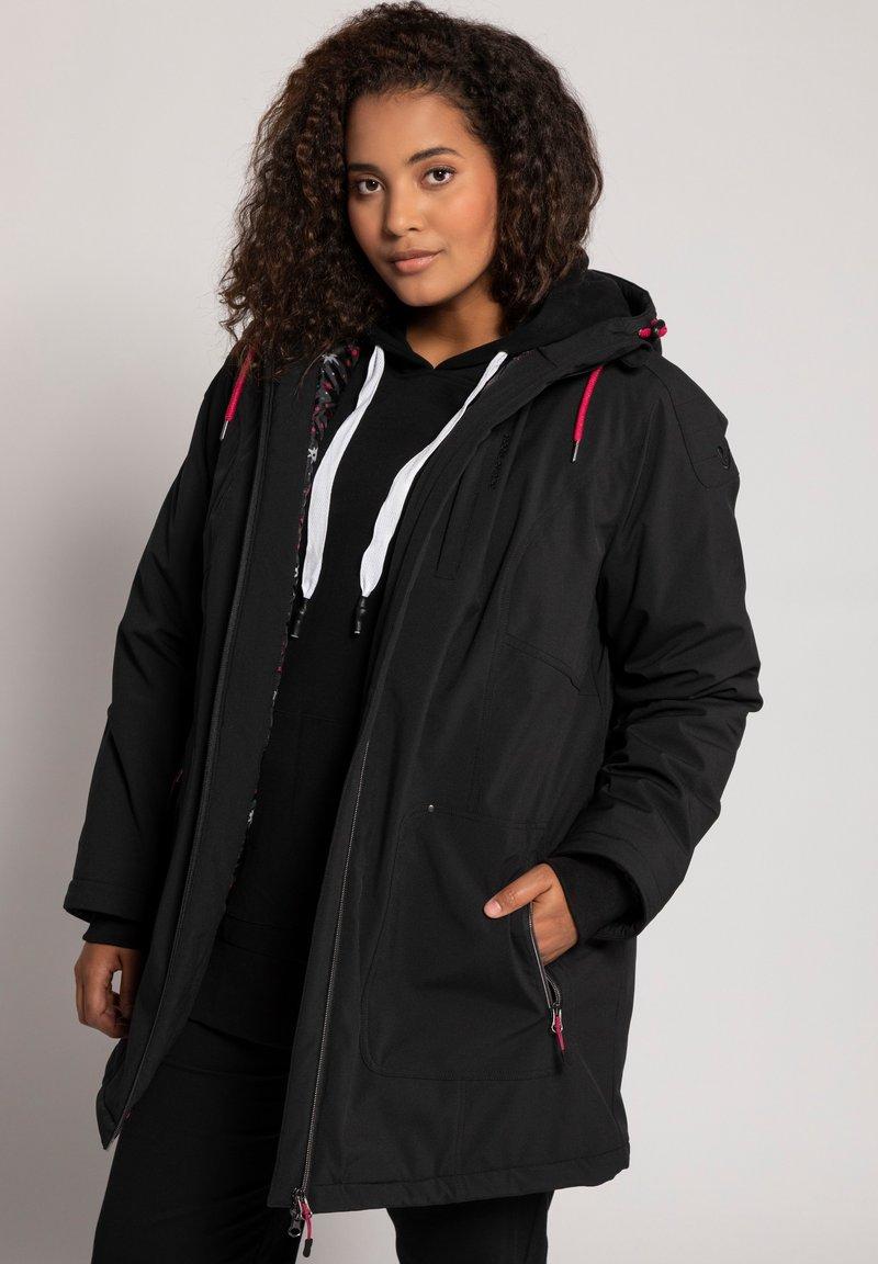 Ulla Popken - PLUS SIZE ECO BIONIC-FINISH® STRETCH - Light jacket - black