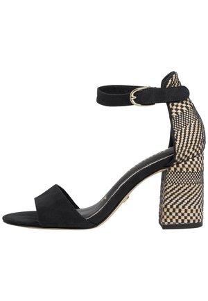High heeled sandals - black comb   #