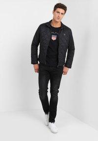 GANT - SHIELD - Maglietta a manica lunga - black - 1