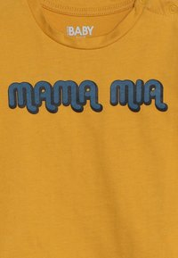 Cotton On - JAMIE SHORT SLEEVE TEE BABY - T-Shirt print - yellow - 3
