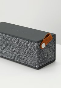 Fresh 'n Rebel - ROCKBOX BRICK FABRIQ EDITION BLUETOOTH SPEAKER - Speaker - concrete - 5